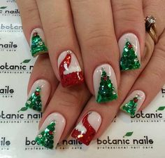 If you're looking to do seasonal nail art, spring is a great time to do so. The springtime is all about color, which means bright colors and pastels are becoming popular again for nail art. These types of colors allow you to create gorgeous nail art. Christmas Tree Nail Designs, Christmas Tree Nails, Christmas Nail Art Designs, Holiday Nail Art, Xmas Nails, Winter Nail Designs, Cute Nail Designs, Acrylic Nail Designs, Christmas Design