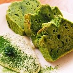 Rice flour cake and matcha go perfectly together. This healthy dessert with a modest sweetness uses rice flour and matcha. Matcha Pound Cake Recipe, Matcha Cake, Pound Cake Recipes, Healthy Rice, Healthy Baking, Healthy Deserts, Healthy Food, Yummy Food, Rice Flour Recipes