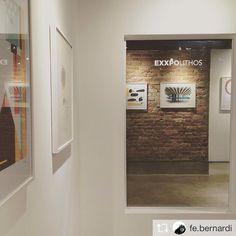 Repost from @fe.bernardi ⚡️⚡️ EXXPO LITHOS // Inauguração da galeria da XXVINTE em parceria com a LITHOS. Mirror, Bathroom, Frame, Furniture, Home Decor, Washroom, Picture Frame, Decoration Home, Room Decor