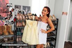 Ariana Grande Style - Ariana's Bedroom