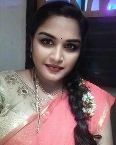 Very Beautiful Woman, Beautiful Women Over 40, Desi Girl Image, Girls Image, Girl Photos, Cute Pictures, Curvy Women, Sexy, Beauty