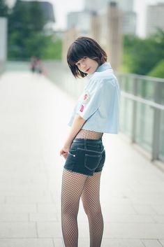 Beautiful Japanese Girl, Japanese Beauty, The Most Beautiful Girl, Beautiful Asian Girls, Asian Beauty, Cute Asian Girls, Cute Girls, Cute Poses, Girls In Leggings