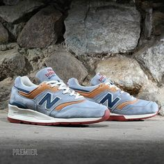 New Balance 997: Distinct Blue