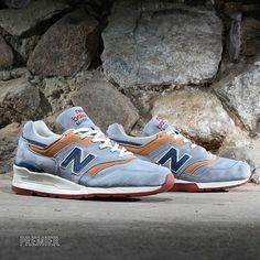 New Balance 997: Distinct Blue