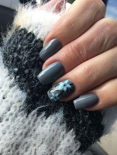 #nailart #naildesign #gray #graynailart #flowernailart