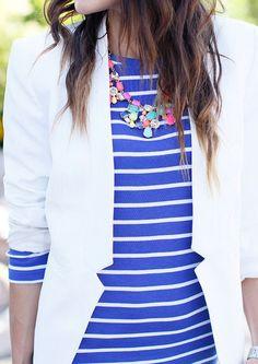 10 Ways to Wear A White Blazer   White Blazer + Stripes http://effortlesstyle.com/how-to-wear-a-white-blazer/
