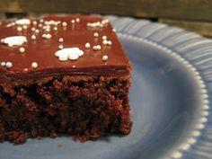 Iloa ruuasta: Mehevä suklaa-punajuurikakku Desserts, Food, Tailgate Desserts, Deserts, Eten, Postres, Dessert, Meals, Plated Desserts