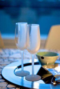 MIVALLI DESIGN - Frosted-Collection 💙 #mivalli #wineglass #designglass #finnishdesign #modernfinnishdesign #scandinaviandesign #finland