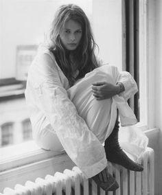 80s-90s-supermodels:    Vogue US, April 1993Photographer: Steven MeiselModel: Claudia Schiffer  ( source: tfs )