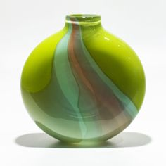 Opaque Ribbon Flat Vase by Michael Trimpol and Monique LaJeunesse - Lime, Celadon & Salmon (Art Glass Vase) Broken Glass Art, Shattered Glass, Sea Glass Art, Stained Glass Art, Glass Art Pictures, Glass Art Design, Crushed Glass, Glass Vessel, Architecture