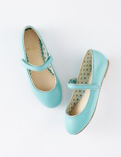 Leather Mary Janes in a beautiful turquoise!