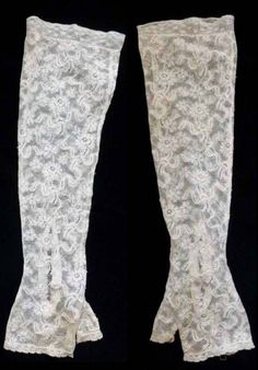 Lovely c.1900 fine French Valenciennes lace wedding mittens. Elbow-lenght fingerless gloves made of sheer and delicate floral Valenciennes lace. Beautiful lace edging and 2 lace covered buttons to fasten the gloves at the wrist. Perfect for wear or display!