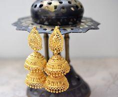 Gold Earring Vintage Style Gold Tone by BBjewelAndAccessorie
