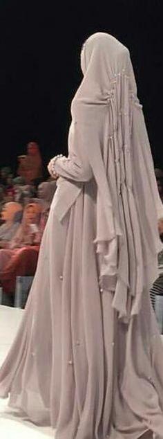 Fashion Hijab Remaja Gemuk 45 New Ideas Abaya Fashion, Fashion Wear, Modest Fashion, Muslim Dress, Hijab Dress, Simple Dresses, Beautiful Dresses, Fashion Design Sketchbook, Modern Hijab
