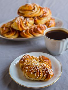Finnish version of the classic cinnamon bun. Baking Recipes, Healthy Recipes, Zeina, Scandinavian Food, Swedish Recipes, Cake Cookies, Food Pictures, Doughnut, Food Inspiration