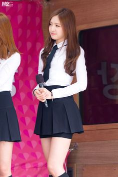 White Plain Polo with Nect Tie Fashion of A Pink Naeun in Mr Chu