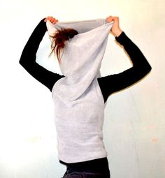 ★10 MINUTES HOODED VEST★I love these. Although I put them on upsides down first like every time. Lol