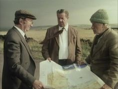 Last of the Summer Wine - Episode Who Made A Bit of A Splash in Wales Then? - Clegg, Sid and Compo trying to read a map. British Sitcoms, British Comedy, Last Of Summer Wine, Comedy Show, Best Tv Shows, Classic, England, Writing, Film