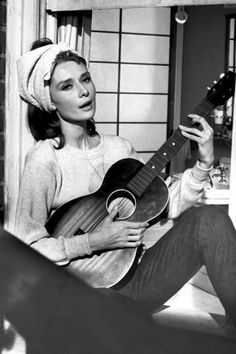 Audrey Hepburn gets all the style icon plaudits for her role in Breakfast at Tiffanys, but we like it when she stripped off the little black dress and pearls, and sang Moon River in a pair of blue jeans.