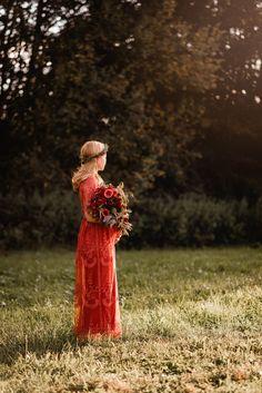 Ein Schwangerschafts-Fotoshooting zwischen Wiesen, Maisfeld und Wald - Isabelle Kade Fotografie Instagram, Outfits, Baby Belly Pictures, Real Flowers, Photo Art, Pregnancy, Woodland Forest, Suits, Kleding
