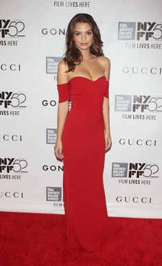 Emily Ratajkowski at the Opening Night Gala Presentation And World Premiere Of 'Gone Girl' at the New York Film Festival. Styled by Tara Swennen. Miranda Kerr, Polyvore Outfits, Kendall Jenner, Event Dresses, Prom Dresses, Emily Ratajkowski Style, Street Style Outfits, Red Outfits, Red Carpet Looks