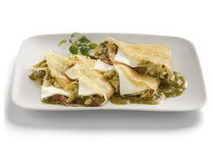 Nuestra receta de crepas de pollo y queso son una excelente opción para disfrutar con tu familia. ¡Prepara tus crepas en tan sólo 35 minutos!
