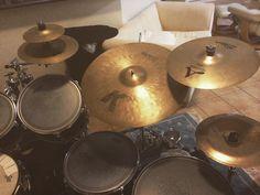 New K custom heavy ride #zildjian @zildjiancompany  #kcustom  #drums #drummer #drummers #drummerboy #drumsoutlet #drumsandlessons #drummingco #drummerdotcom #instadrums #instadrummer #drumwarriors #drummers_corner #drumming #bateria  #theworldofdrums #dopemusicians #beataday #musician #drumporn #yamaha #zildjian #vicfirth by saulsaragossi