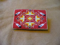 Native American Style Square Stitched Four Feathers Belt Buckle in Red Native American Crafts, Native American Beading, Native American Fashion, Native American Jewelry, Bead Loom Patterns, Beading Patterns, Beading Ideas, Beaded Purses, Beaded Jewelry