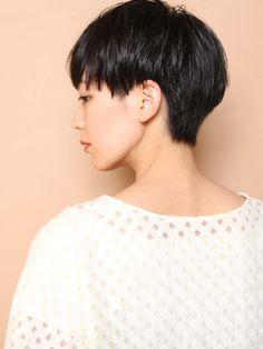 Asian Pixie Cut, Asian Short Hair, Very Short Hair, Short Hair Cuts, Short Hair Styles, Hair Inspo, Hair Inspiration, Japanese Short Hair, Hair Tattoos