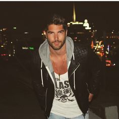See this Instagram photo by @nick__bateman • 19.4k likes