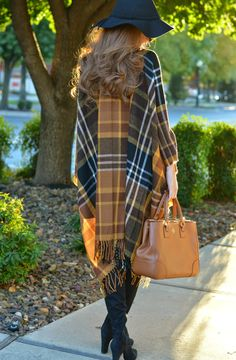 Perfect autumn colors. Time to start looking for a plaid poncho? #bloggerfavorites #fashion #streetstyle