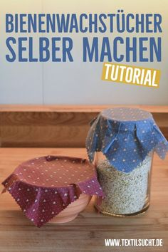 Bienenwachstücher selber machen in 6 einfachen Schritten Making beeswax towels yourself is quick, easy and you can use it to replace super cling film. This is a great project for recycling material and saves a lot of garbage and money. Diy Jewelry Unique, Diy Jewelry To Sell, Diy Jewelry Holder, Diy Jewelry Making, Jewelry Crafts, Bijoux Diy, Textiles, Diy Flowers, Diy And Crafts