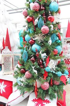 christmas decor in red turquoise - Teal And Red Christmas Decorations