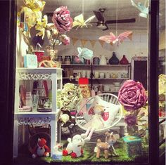 Our spring garden retail store window featuring paper butterflies, over sized flowers and little animal friends. inviteme is cute shop located at 66 Anderson Street, Yarraville and stocks boutique party, gift + homewares. Can't get to the shop? Click image to visit our online store www.inviteme.com.au