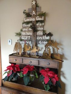 THE LONG AWAITED HOME: PALLET CHRISTMAS SIGN