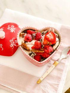 the best gooey brownie recipe #browniesundae #browniesunday #sundaerecipe #valentinesideas #fourthofjulyparty #valentinesday #4thofjulyparty #galentinesday #galentinesdayparty #valentinesdayparty #brownierecipe #brownies #bakingrecipe #partyrecipe #valentinesrecipe #happyheartday #baker #ramekin #ramekins Sundae Recipes, Brownie Recipes, Fourth Of July Decor, 4th Of July Party, Independence Day Decoration, Brownie Sundae, Gooey Brownies, Happy Hearts Day, Valentines Day Hearts