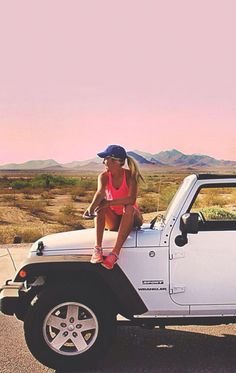 The bond between a girl and her jeep. I SO WANT A JEEP! Need a wrangler for my summer trips :D Summer Goals, Summer Of Love, Summer Fun, Hello Summer, Fiat 600, My Dream Car, Dream Cars, Auto Girls, Up Auto