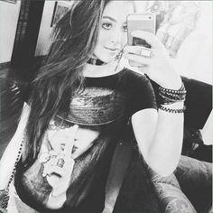 Repost redfeatherbrasil: #Repost @marianasoltz ・・・ Selfiezinha corrida antes de sair de casa com essa blusa perfeita da…