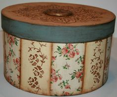 Shabby Chic Bedrooms, Shabby Chic Furniture, Painted Furniture, Decoupage Box, Decoupage Vintage, Decorative Panels, Decorative Boxes, Diy Hat, Hat Boxes