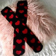 #vanoce #podkolenky #ponozky #srdicka #srdce #zlasky #stedryden #polstar #fluffy #kneehighs #stockings #72kocek #heart #hearts #legs #christmas #igers #igerscz #fashion #love #laska #instastyle #fashion #moda #zeny #holky #inspirace #inspo #dnesnosim #ootd Ootd, Hearts, Stockings, Legs, Christmas, Instagram, Fashion, Socks, Xmas