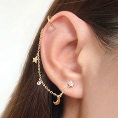 Pretty Ear Piercings, Ear Peircings, Ear Cuff Piercing, Different Ear Piercings, Ear Jewelry, Cute Jewelry, Jewelery, Jewellery Earrings, Chain Earrings