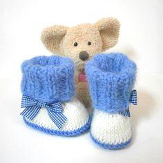 Chaussons bébé faits main bleus noeud vichy taille 0/3 mois Tricotmuse