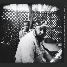 David S.Ware, uno de los últimos baluartes de la estirpe de Coltrane, fallecido en octubre de 2012, vuelve a la actualidad con la serie que el sello AUM Fidelity le dedica. El rescate de dos publicaciones en directo alejadas en el tiempo, una de 2005 y otra de 1977, suma mayor interés.