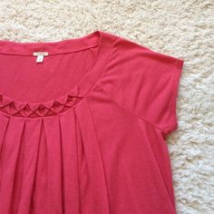 J. Crew Gathered Scoop Neck Top - Pink In new condition. 90% viscose. 10% silk. Fit is loose :) J. Crew Tops Tees - Short Sleeve