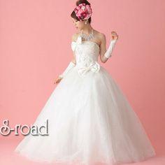 ウェディングドレス ホワイト リボンとパールビーズにお花を咲かせたウエディングドレス/プリンセスライン/結婚式/二次会/花嫁