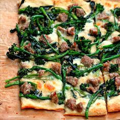 ~ Broccoli Rabe, Sausage and Three Cheese Pizza ~ Broccoli Rabe is like kale. If I can get my kids to eat it, then I win. I'm a huge fan of broccoli rabe, also known as rapini. While it resem… Broccoli Rabe And Sausage, Broccoli Raab, Fresh Broccoli, Pizza Recipes, Dinner Recipes, Cooking Recipes, Healthy Recipes, Dinner Ideas, Flatbread Recipes