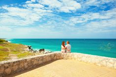 Isla Mujeres photography. Lovely moment.
