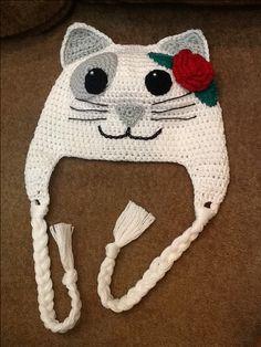 Touca de croche gatinha finalizada.. Um primor!!