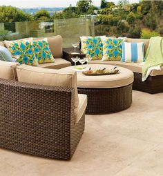 Comfortable cushioned pieces in circular formation make it easy for Pasadena to create the ultimate open-air chat room. Complete the arrangement with end tables, an ottoman, a fire table, a gathering table or an umbrella table.