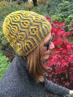 Ravelry: Ondadolce pattern by Katrin Schubert. Brioche, Ondadolce will be available for free until the end of October, 2015.